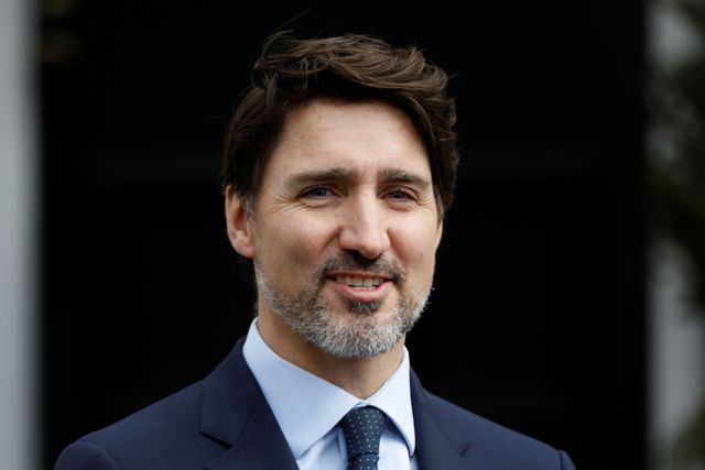 Canada ramps up battle in opposition to virus, slashes charges and guarantees stimulus