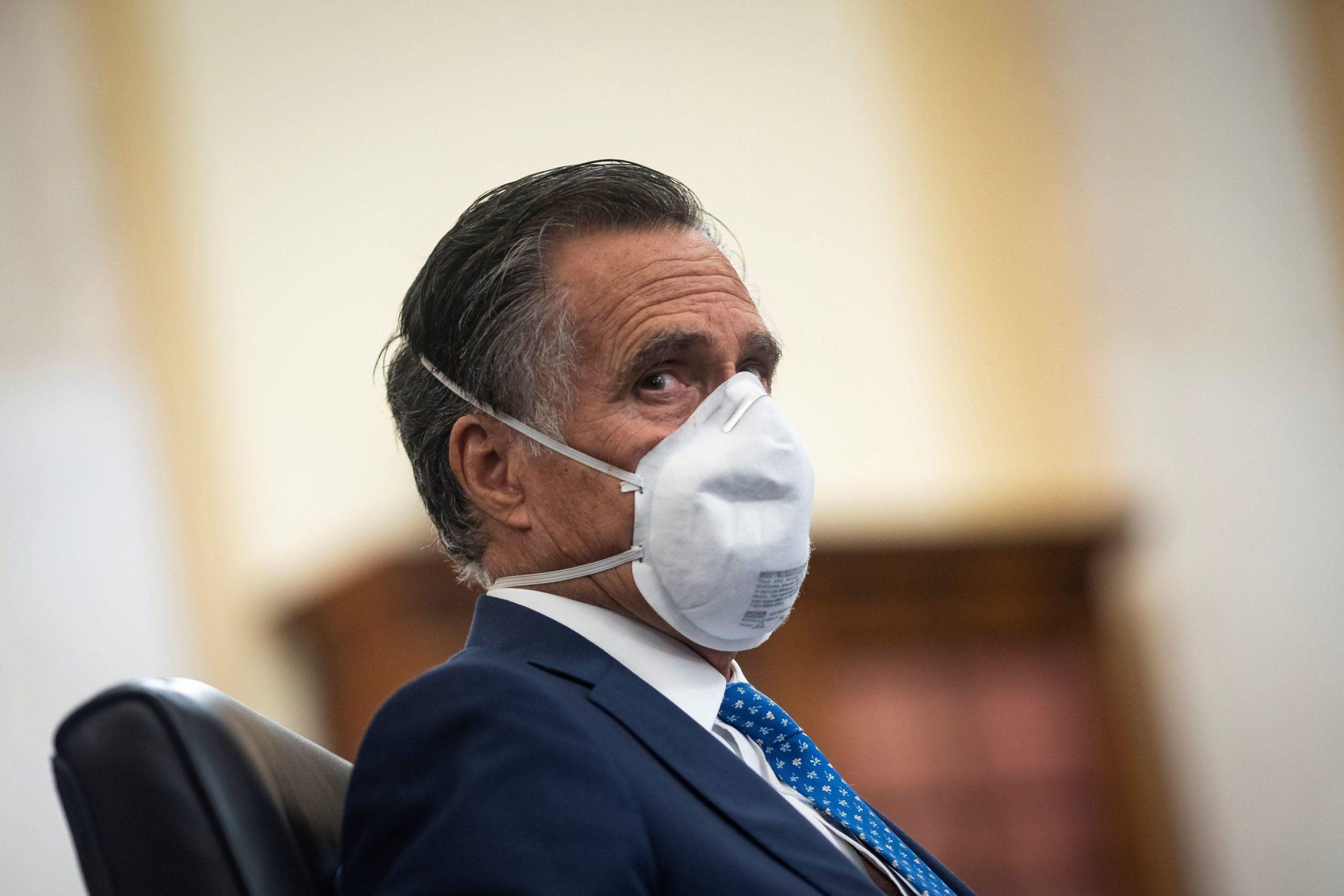Romney slams Trump administration over U.S. coronavirus demise toll