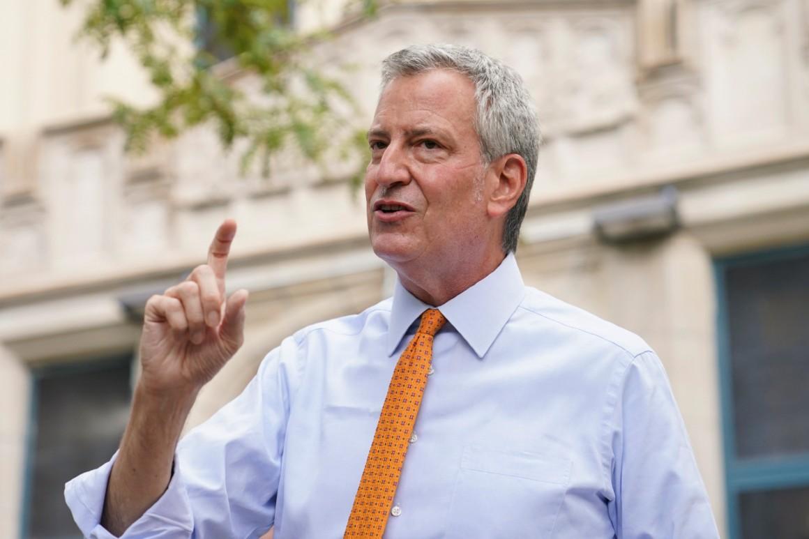 De Blasio, Cuomo conflict over NYPD reform