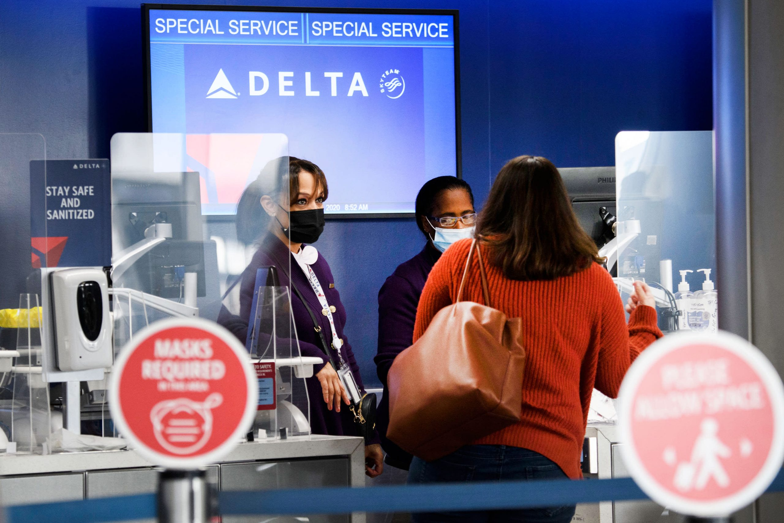 Pilot scarcity prompts uncommon flight cancellations at Delta over Thanksgiving break