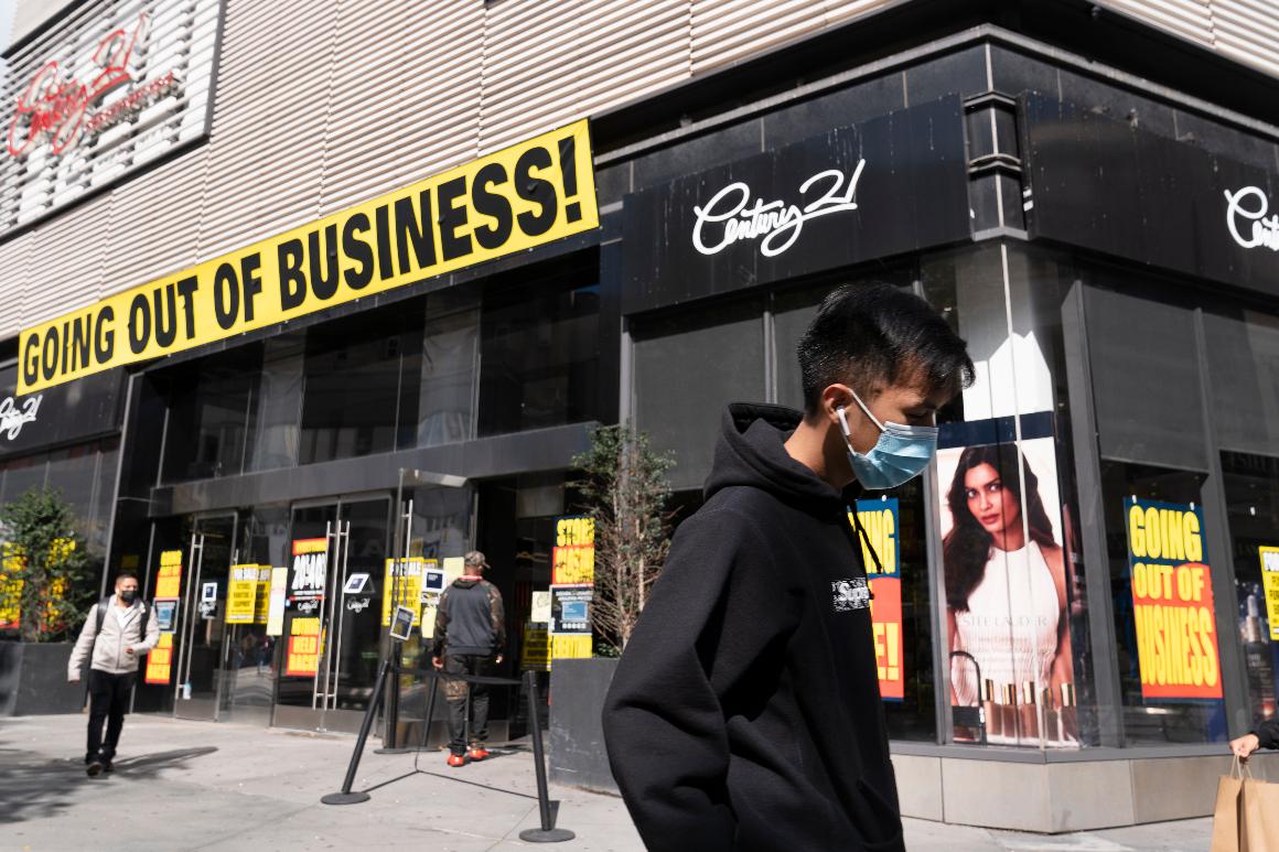 U.S. shopper confidence tumbles as virus spreads