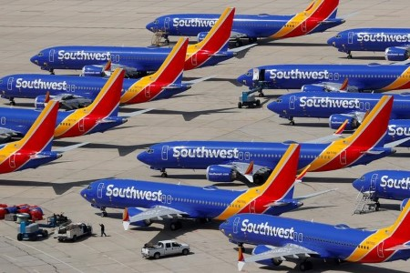 Southwest points layoff warnings to six,828 staff