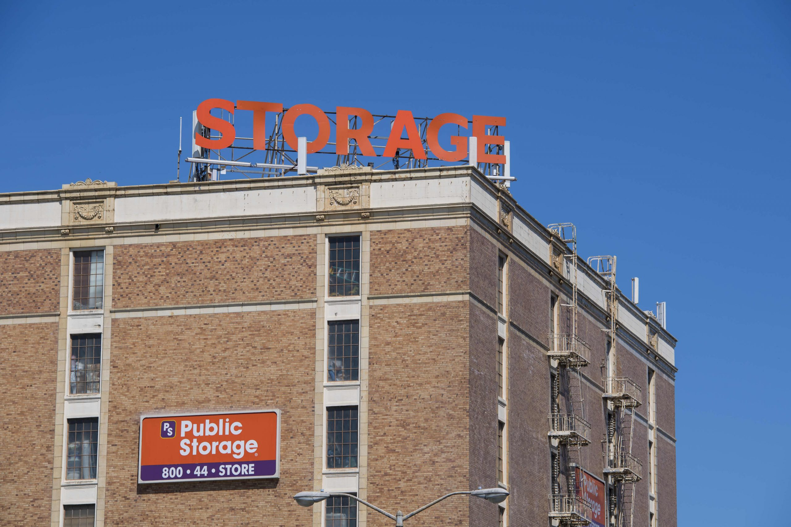 How Public Storage and Additional House Storage make billions