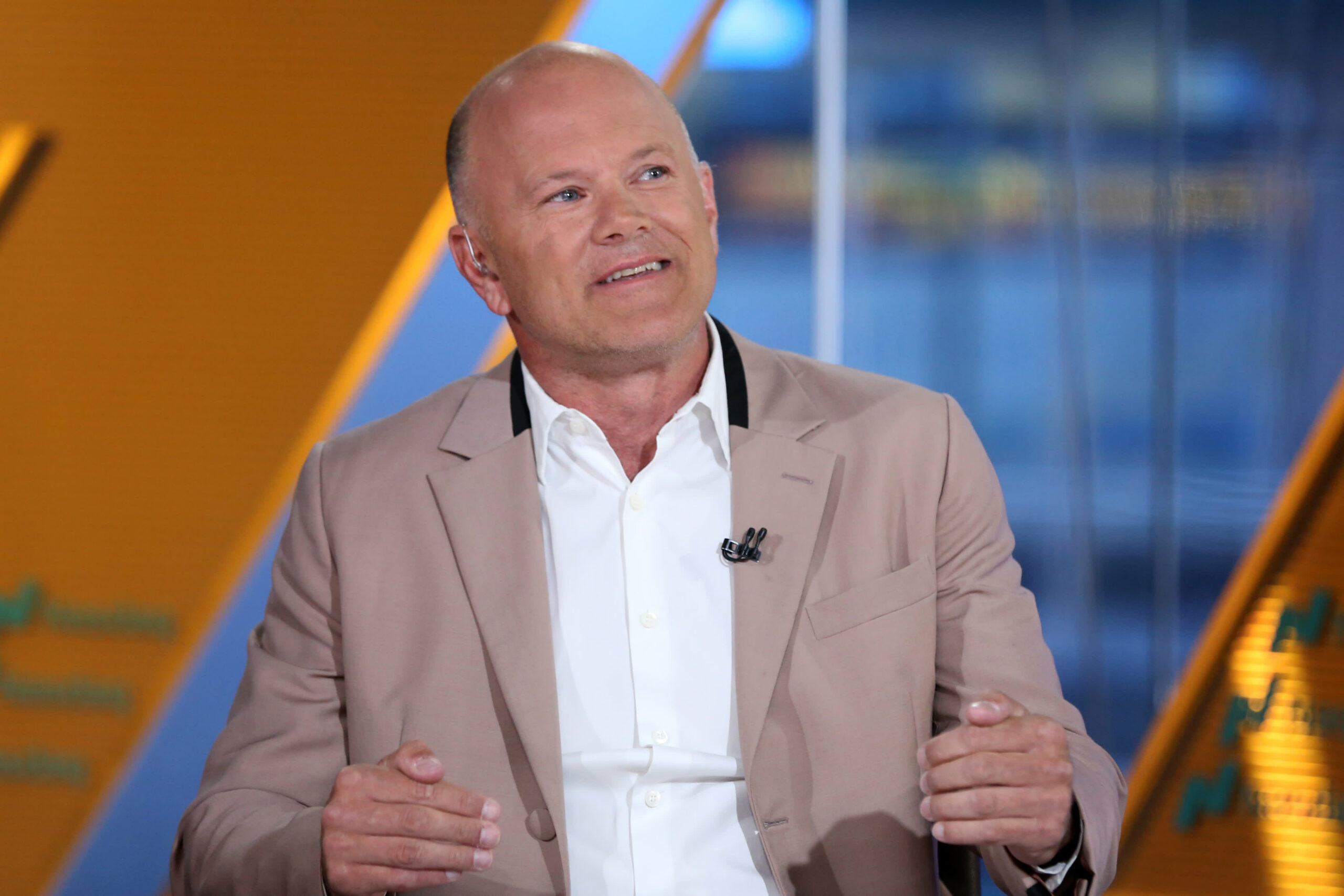 Novogratz says bitcoin, different cryptocurrencies a fraction of world wealth