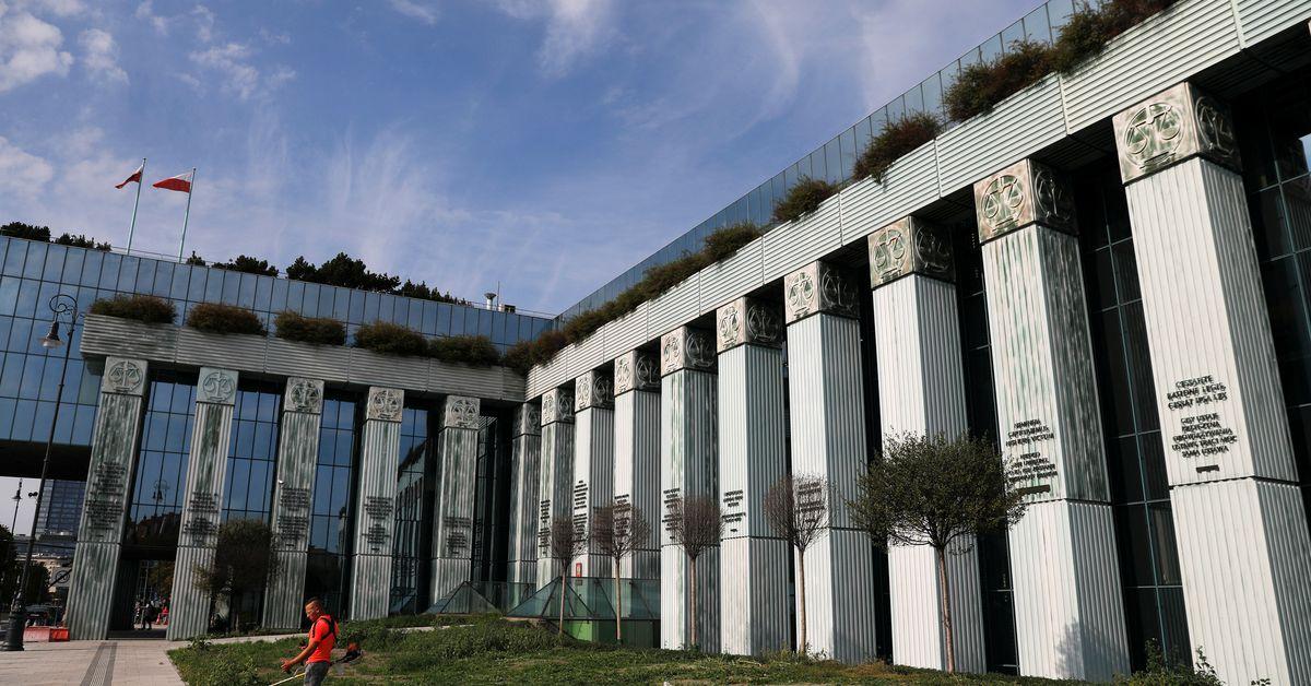 Polish court docket begins foreign exchange loans listening to after menace prompts evacuation