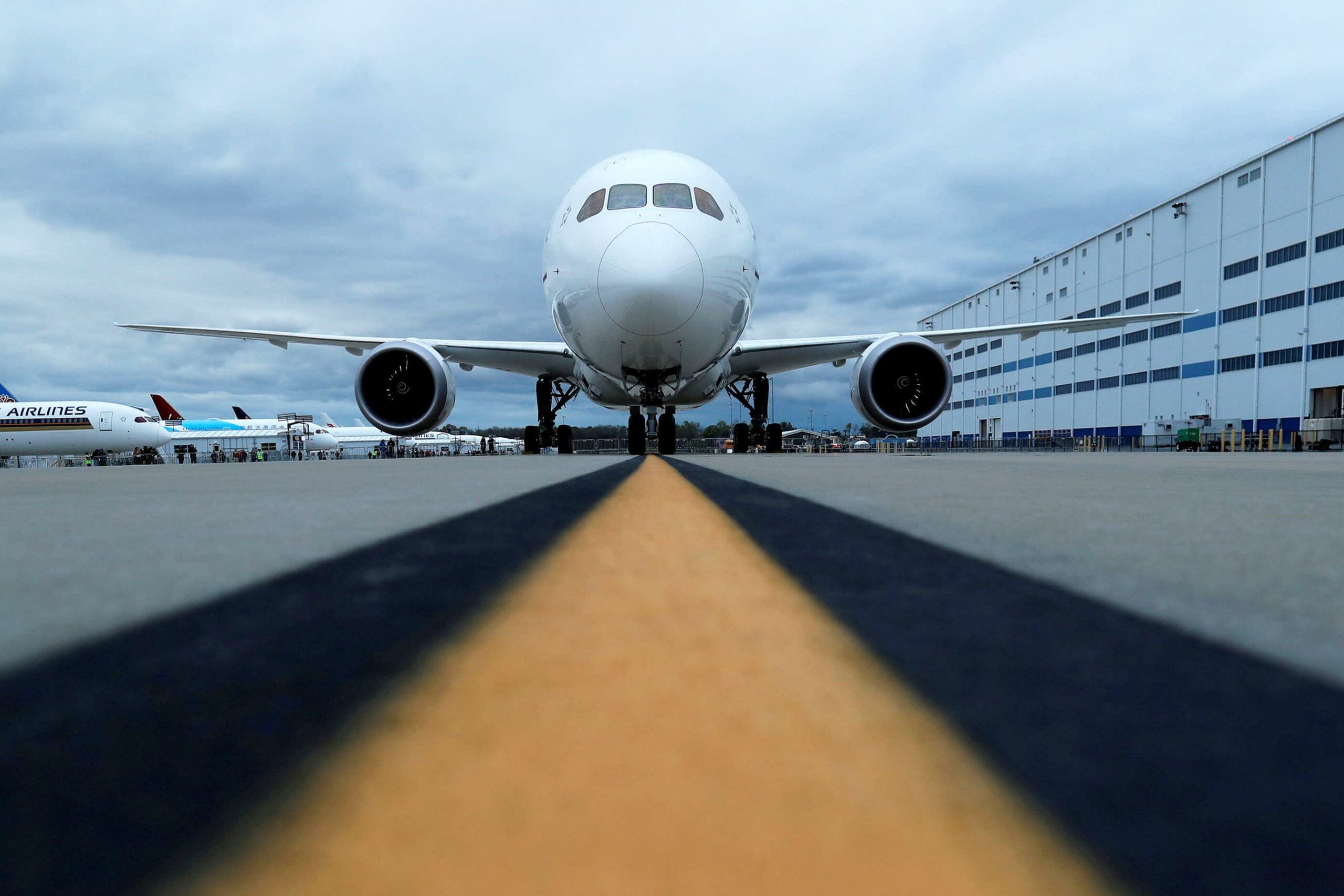 Boeing orders proceed to outpace cancellations, Dreamliner deliveries nonetheless paused