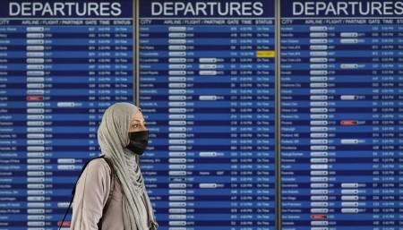 Airways press U.S. on refusal to raise COVID-19 journey restrictions