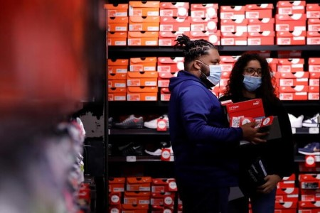 UK retailers report robust Might gross sales after lockdown ends