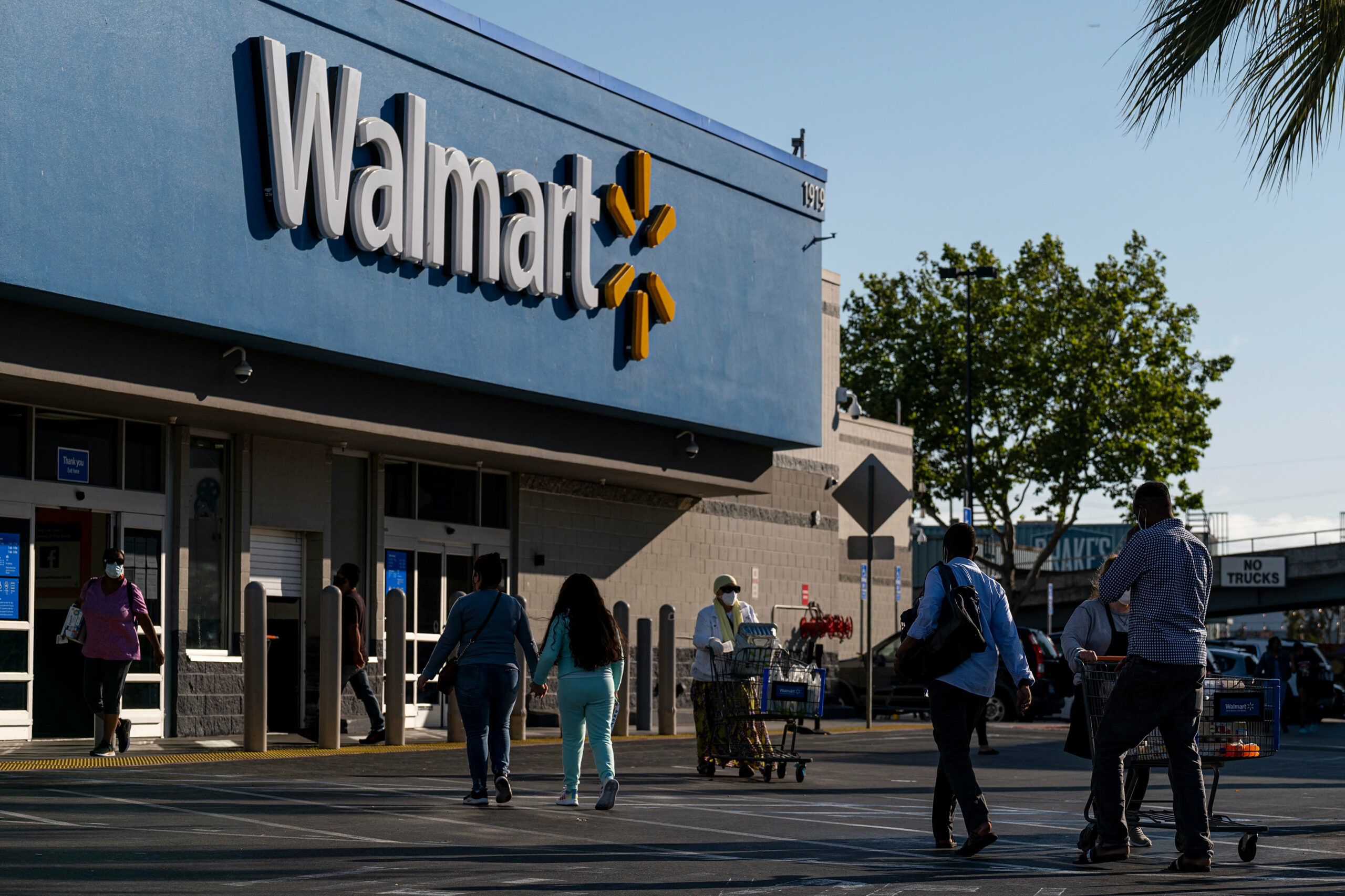 Walmart to promote e-commerce expertise to smaller retailers