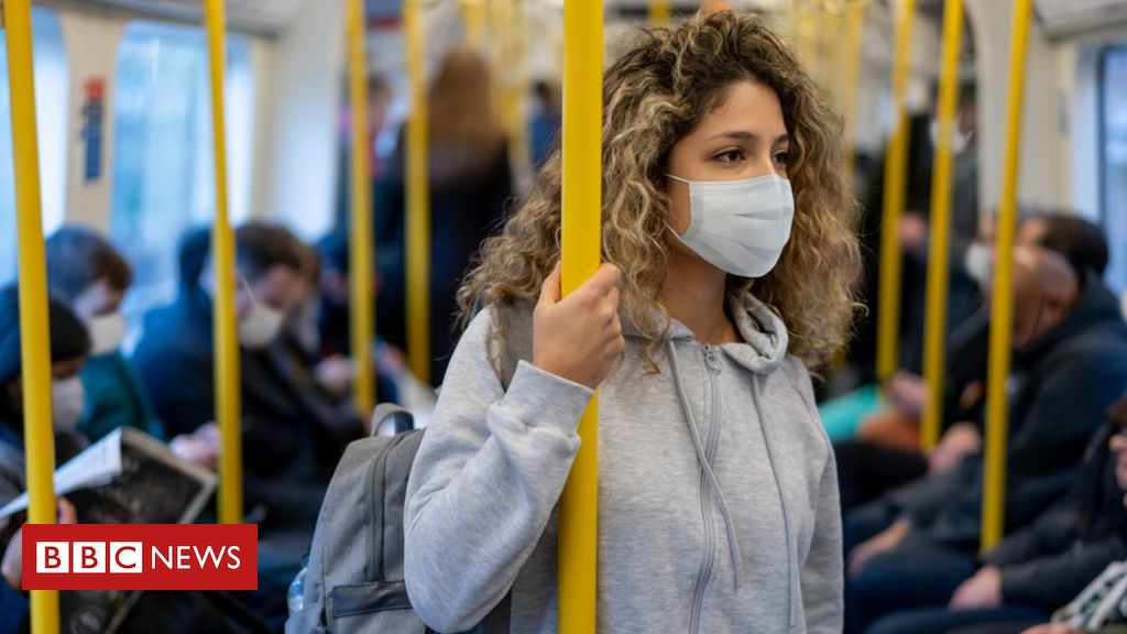 Covid: Bus and practice companies should resolve whether or not to require masks