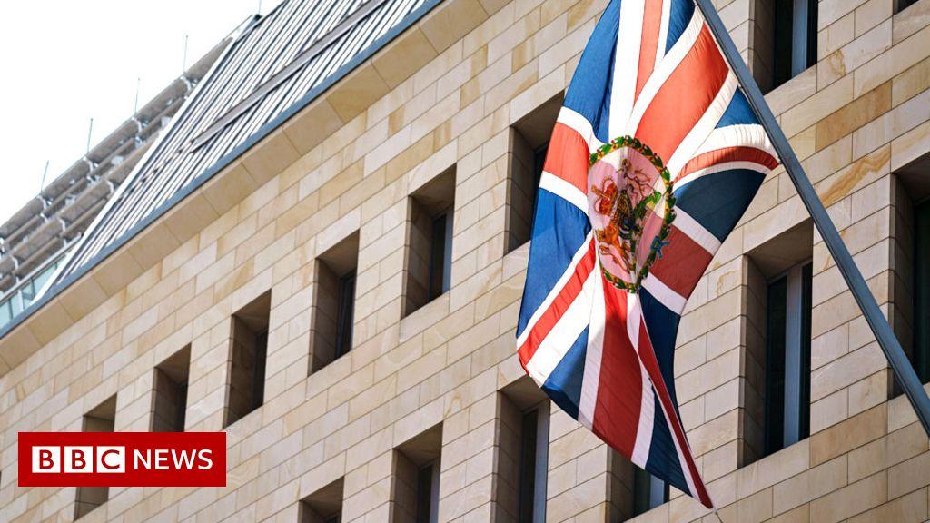 UK police concerned for months in embassy spy case – Met boss
