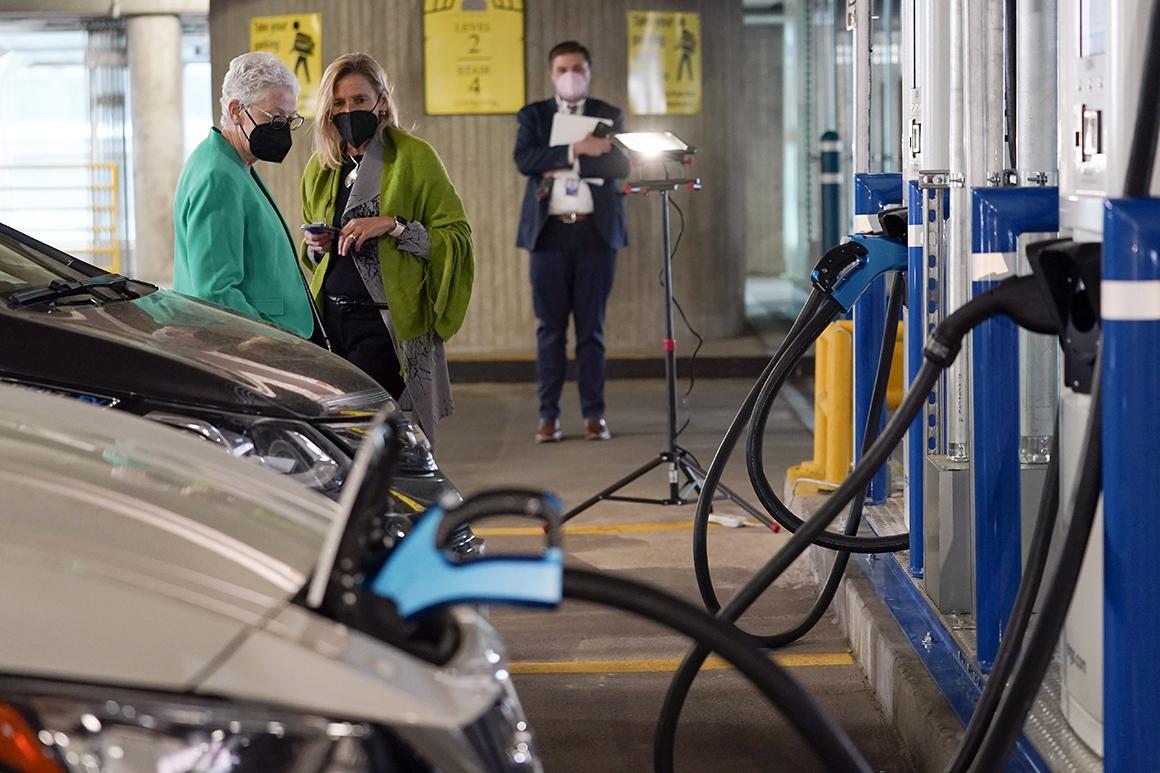 Biden targets 50 p.c clear automotive gross sales by 2030