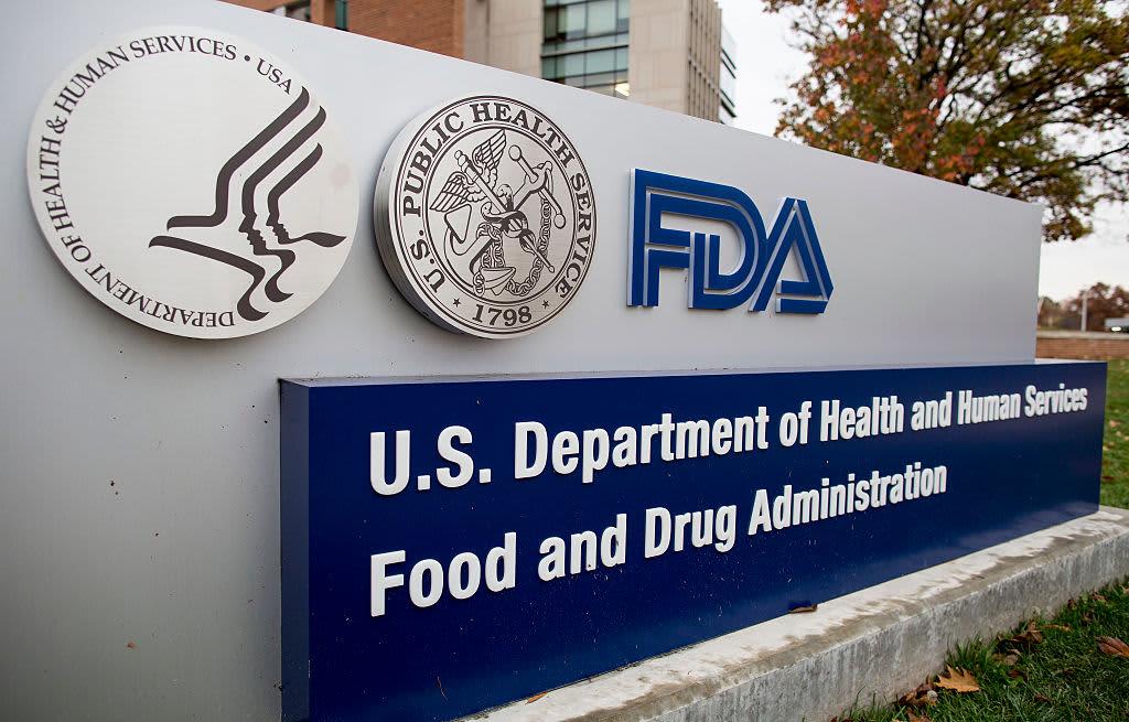 Two senior FDA vaccine regulators are stepping down