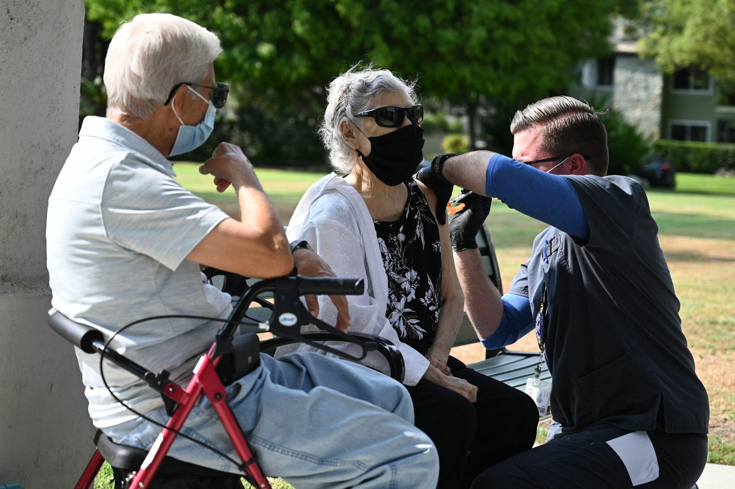 FDA meeting puts Biden's plan to combat virus at risk
