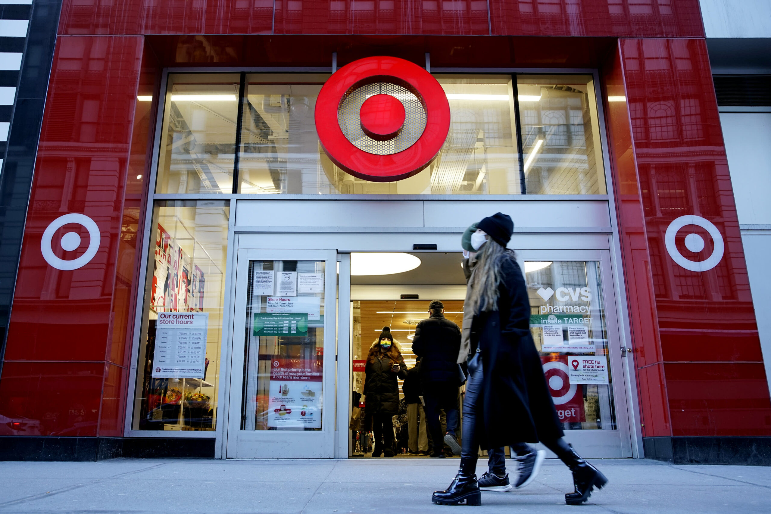 Target offers employees extra $2 an hour for peak days of holiday season